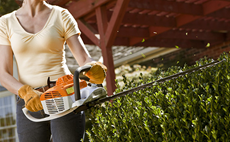 homeowner-hedge-trimmers